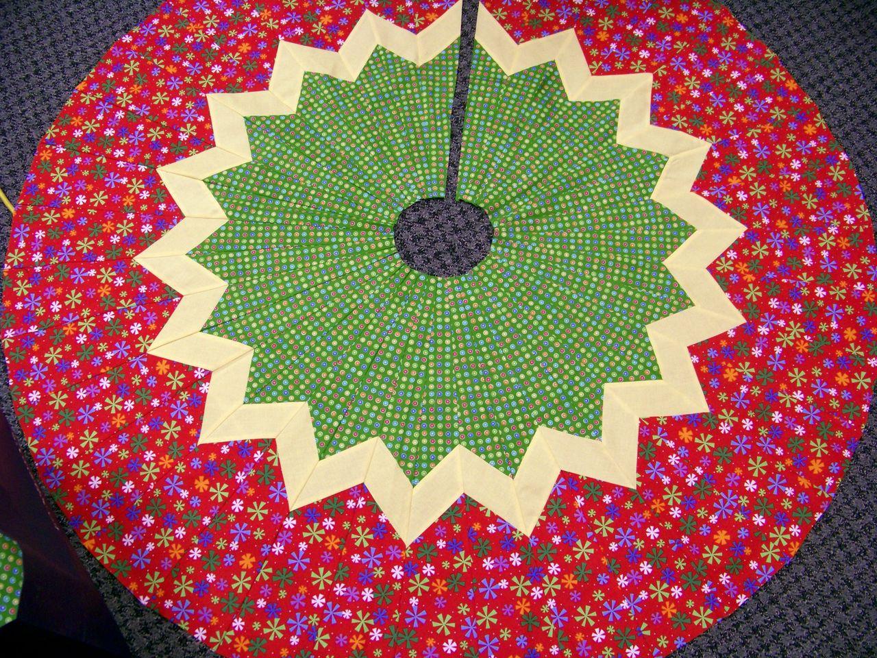 10 Degree Wedge Pattern Ruler Tree Skirt